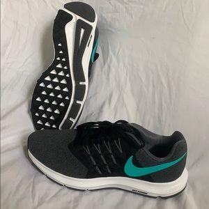 Nike Run Swift size 8 sneakers